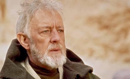 Alec Guinness jako Obi-Wan Kenobi w IV (czyli pierwszej z nakręconych) części Gwiezdnych Wojen