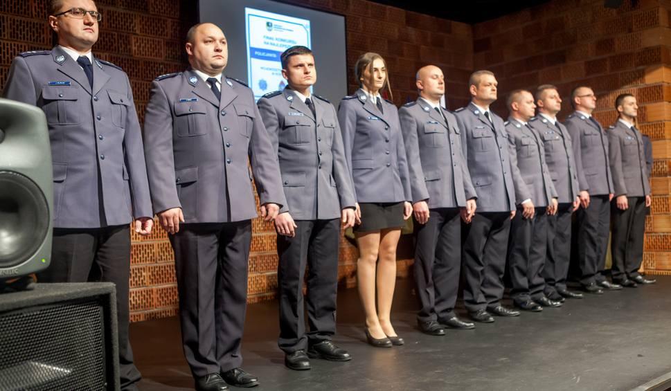 Film do artykułu: Nagrody dla najlepszych policjantów i strażaków z Łódzkiego [ZDJĘCIA, FILM]