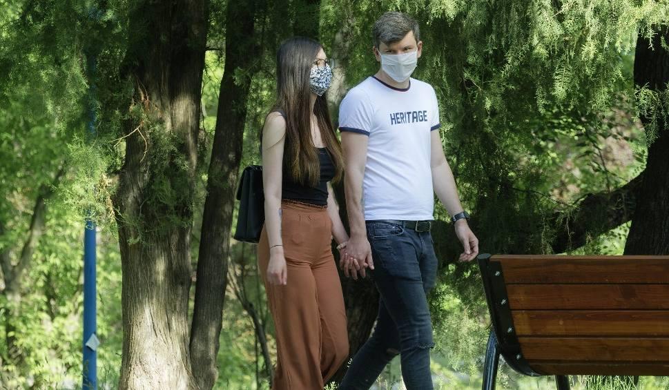 Film do artykułu: Kiedy skończy się koronawirus na Śląsku? Nowa prognoza rozwoju pandemii ExMetrix mówi o drugiej fali zakażeń