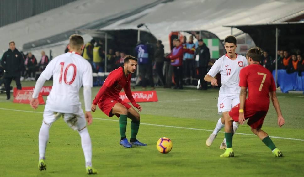 Film do artykułu: Błyskawiczny szturm zaskoczył Portugalię. Polacy awansowali na młodzieżowe Euro!