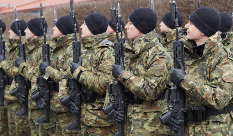 Film do artykułu: Reprezentacyjne karabinki grot w służbie Straży Granicznej. Zobacz, jak żołnierze ćwiczą z bronią z Radomia WIDEO
