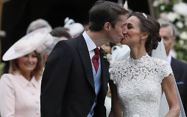 Siostra księżnej Kate, Pippa Middleton wzięła ślub [ZDJĘCIA] Rodzina królewska wśród gości