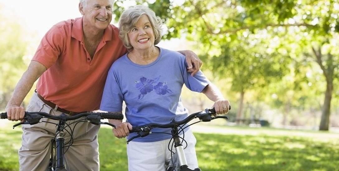 Choć młodzi duchem seniorzy nie wypełniają czasu wizytami u lekarzy, nie zaprzeczają, że zdrowie i kondycja to dla nich kwestia kluczowa. Stawiają też