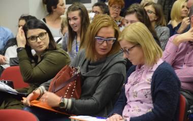 Na spotkanie z radnymi i urzędnikami przyszło kilkadziesiąt uczniów, rodziców, nauczycieli.