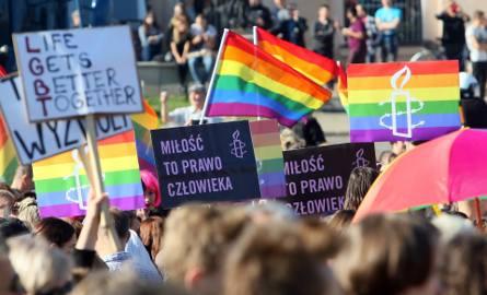"""Radni PiS chcą stanowiska w sprawie LGBT. """"Homopropaganda"""""""