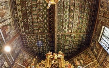 Na unikatowych malowidłach w świątyni św. Michała Archanioła w Binarowej odnajdziemy nie tylko sceny Męki Pańskiej, Sądu Ostatecznego, ale także wyobrażenia