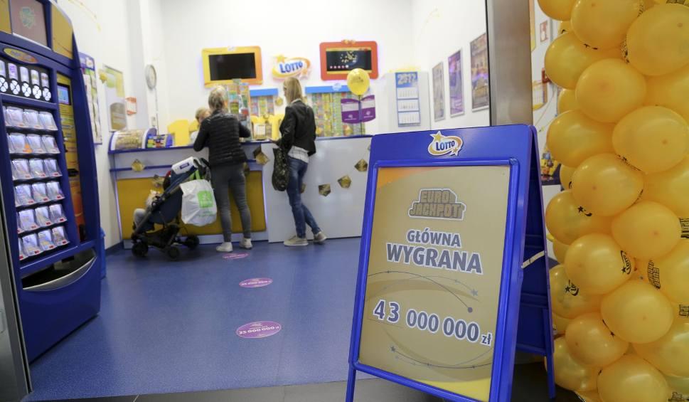 Film do artykułu: Eurojackpot. Kolejne wygrane w Polsce [wyniki 1.03.2019]