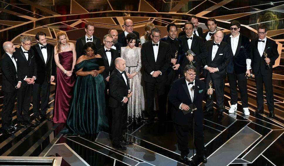 """Film do artykułu: Oscary 2018 WYNIKI ZDJĘCIA Najlepszy film to """"Kształt wody"""". Kto wygrał? Laureaci: Gary Oldman, Frances McDormand, Guillermo del Toro..."""