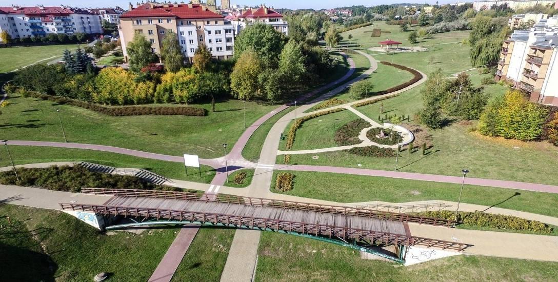 Park na Czubach (od 2011 r. - nosi imię Jana Pawła II) zajmuje 22 hektary powierzchni. Jego budowa ruszyła pod koniec 2007 r.