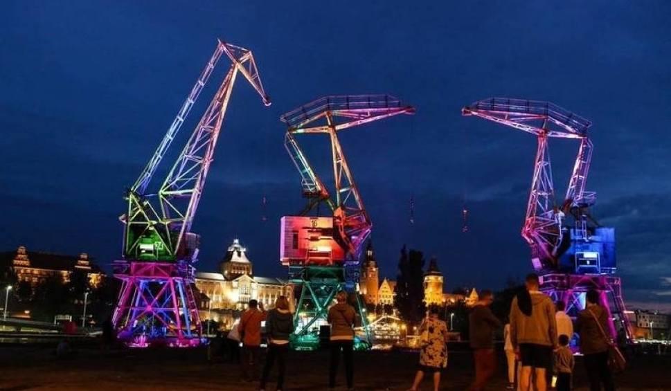 Film do artykułu: Dźwigozaury w Szczecinie znów zaświecą w różnych kolorach! I to już niedługo [WIDEO]