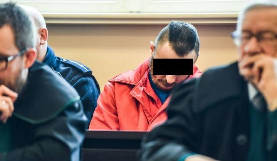 Film do artykułu: Za morderstwo na ul. Dworcowej Tomasz B. został skazany na 25 lat więzienia, wyrok nie jest prawomocny