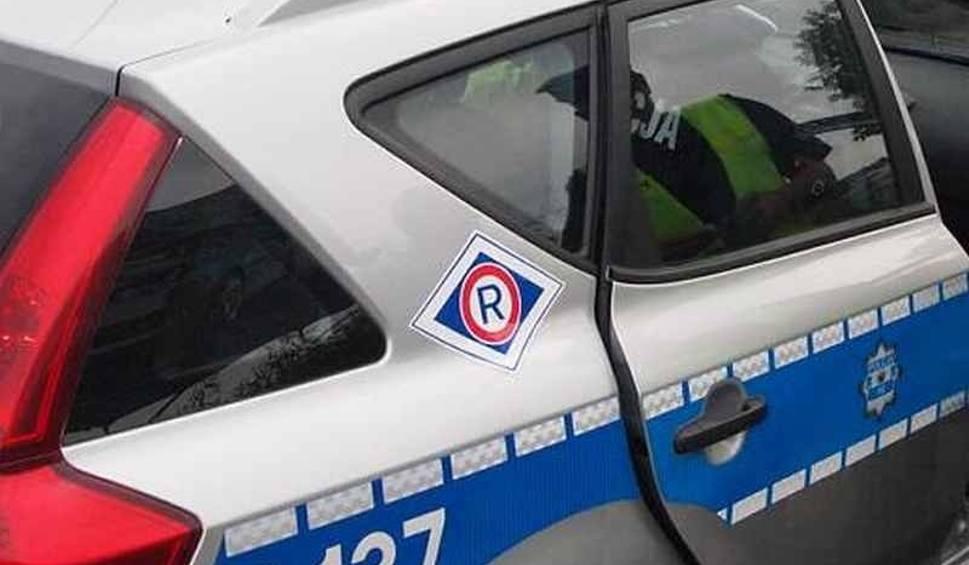 Film do artykułu: Kieszonkowiec w autobusie w Kielcach. Skradzionymi kartami płacił za zakupy