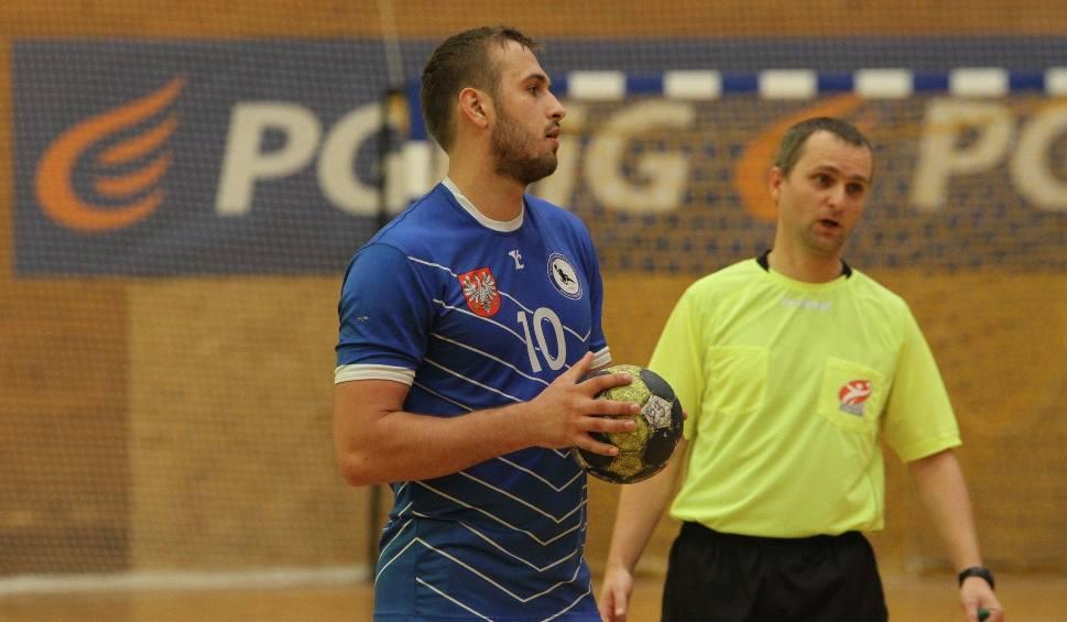Film do artykułu: 2. liga piłkarzy ręcznych. Wisła Sandomierz straciła pierwszy punkt. Wygrała po karnych bardzo ważny mecz w Krakowie