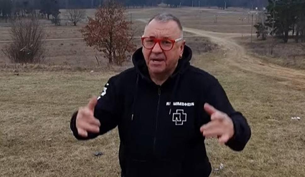 Film do artykułu: Jurek Owsiak w Kostrzynie na Woodstockowych polach. Co tam robił? Czy Woodstock 2021 się odbędzie?