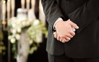 """Są pogrzeby, na których myślę """"To mógł być mój syn"""" - mówi Filip Hołysz, kierownik zakładu pogrzebowego Zieleń Miejska"""