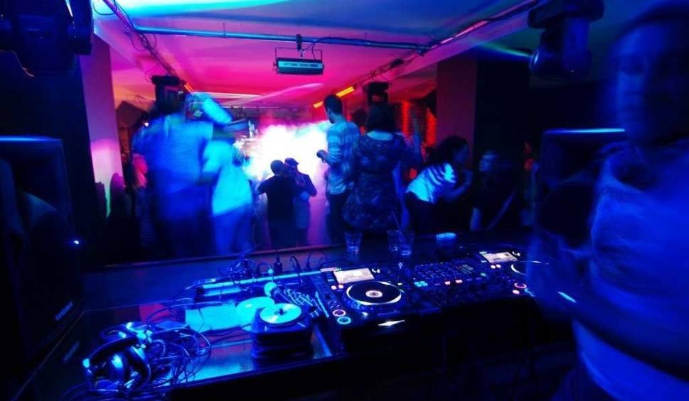 Film do artykułu: Nalot na kluby w Sosnowcu. Posypały się mandaty