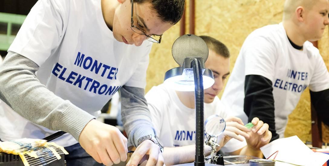 Uczniowie odbywając praktyki poznają wymagania pracodawców, którzy mogą wyłowić najlepszych