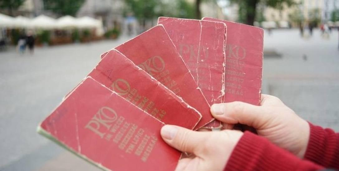 Na książeczkach mieszkaniowych oszczędności gromadziły się latami. Później straciły wartość
