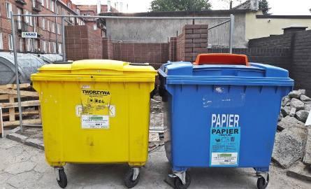 Wiaty śmietnikowe przy Hallera 105-113
