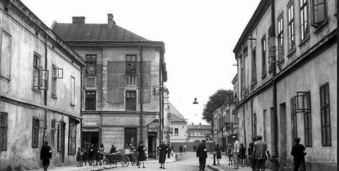 Żydzi w 1940 r. zostali stłoczeni w getcie. Na zdjęciu widok na ul. Franciszkańską w Nowym Sączu