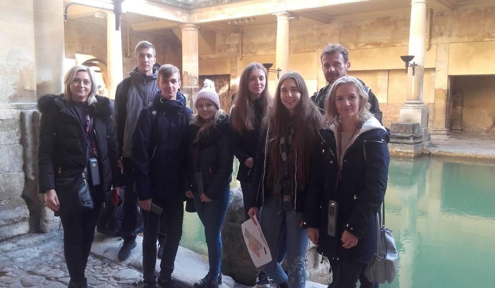 Film do artykułu: Młodzież z liceum imienia Henryka Sienkiewicza w Szydłowcu gościła w Wielkiej Brytanii