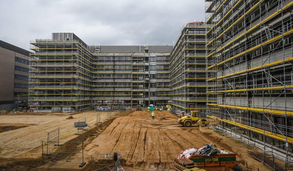 Film do artykułu: Poznań: Kompleks biurowy Business Garden Poznań jest wciąż rozbudowywany. Zobacz zdjęcia z placu budowy