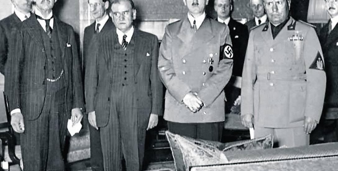 Chamberlain, Daladier, Hitler i Mussolini - sygnatariusze układu