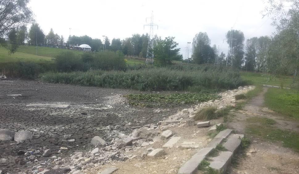 Film do artykułu: Sosnowiec: niewiele zostało z jeziorka przy Górce Środulskiej ZDJĘCIA