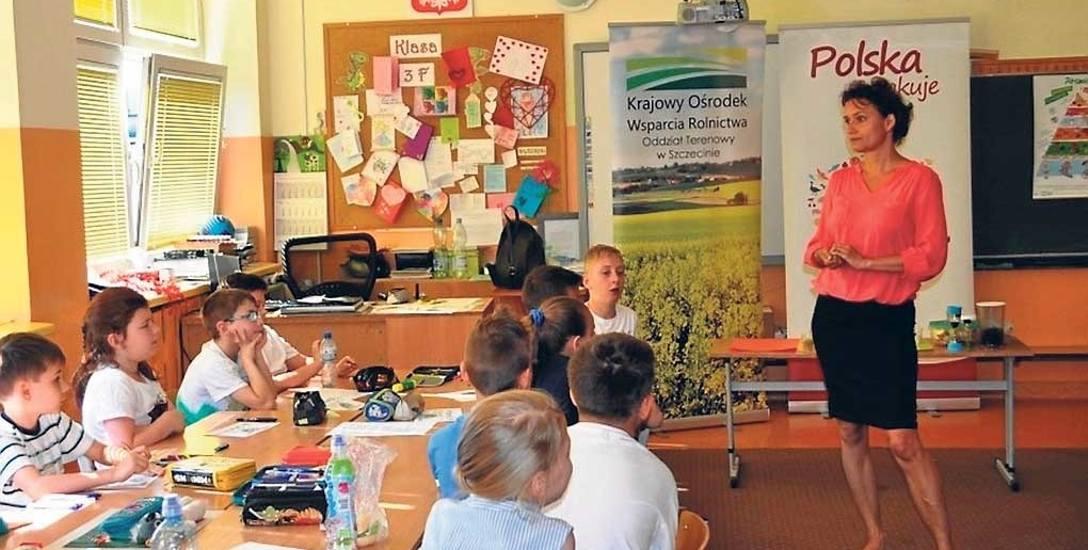 """SP nr 35 w Szczecinie. KOWR m.in. tam organizował warsztaty edukacyjne pn. """"Lekcje zdrowia"""""""