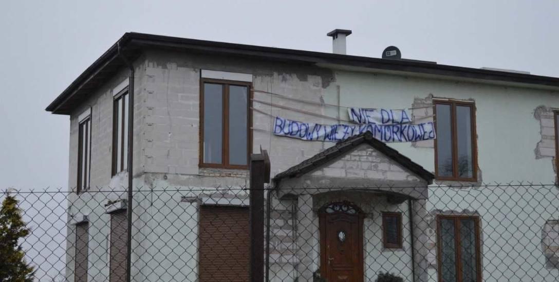 Mieszkańcy Człuchowa nie chcą budowy stacji telekomunikacyjnej w pobliżu zabudowań mieszkalnych