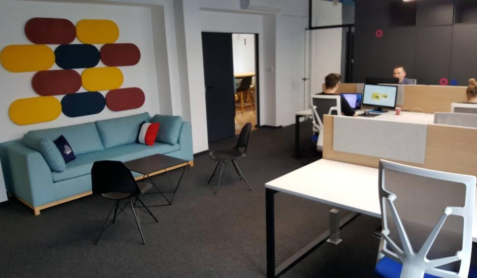 Film do artykułu: Katowice: Mobee Dick, firma budująca produkty internetowe, ma nowe biuro przy Mielęckiego. Zobacz te wnętrza. WIDEO