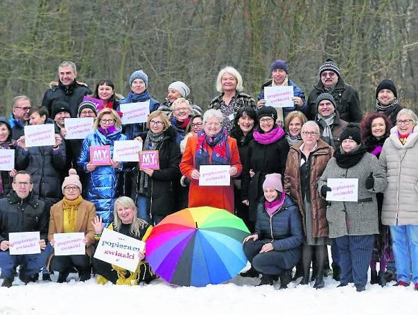 Chcemy, by nasze dzieci czuły się w Polsce bezpiecznie - mówią rodzice osób homoseksualnych