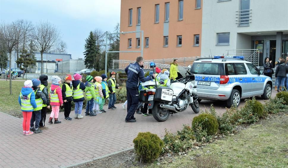 Film do artykułu: Dzień otwarty policji w Jędrzejowie. Najmłodsi poznali pracę mundurowych