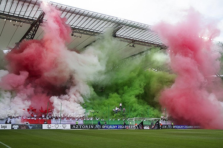 Kibice na meczu Legia Warszawa - Pogoń Szczecin 1:1 [GALERIA]