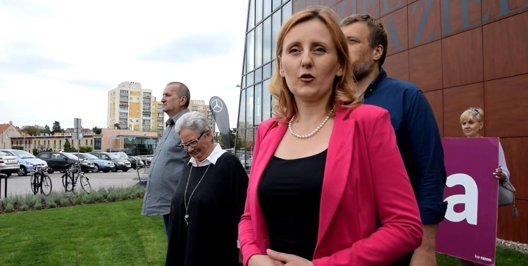 """Razem chce powalczyć o miejsce w sejmiku. """"Jedynką"""" w Zielonej Górze będzie Adrianna Ruszkowska (na pierwszym planie)."""