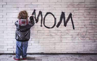 """Kultowe teksty, których używa każda Mama. Ty też słyszałeś, że """"traktujesz dom jak hotel""""? Sprawdź, czy znasz je wszystkie!"""