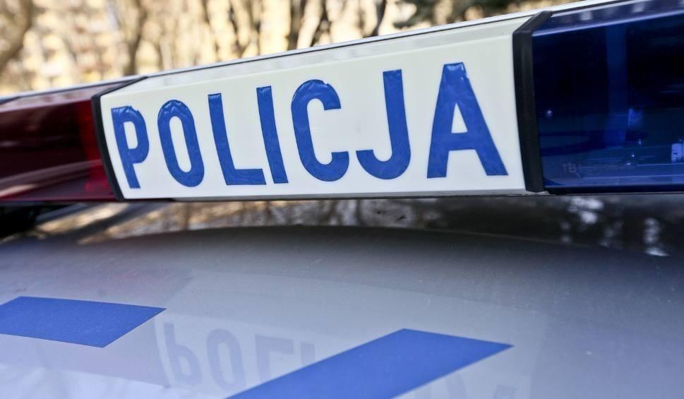 Film do artykułu: Pieniny. Policja szuka kierowcy maserati, który wykorzystał tzw. korytarz życia