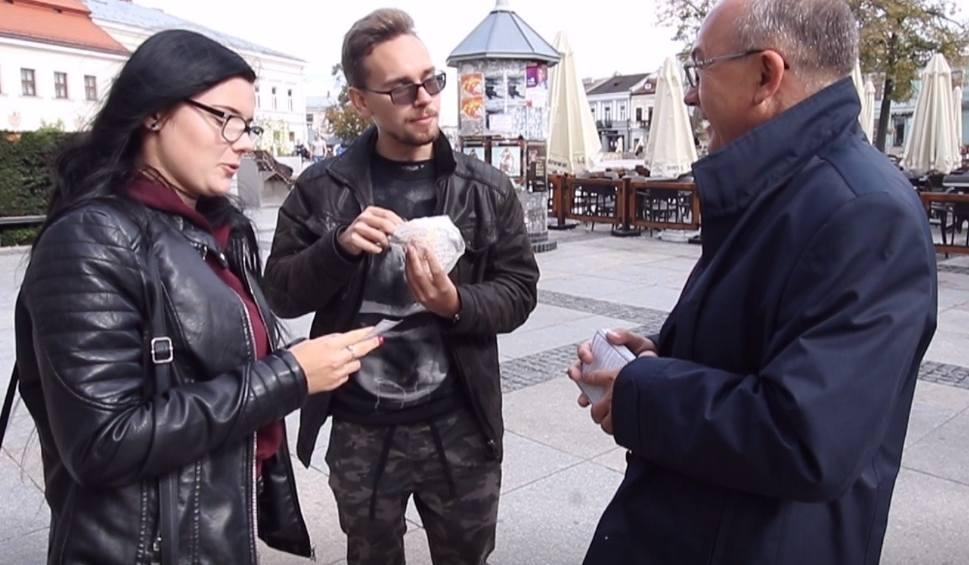 Film do artykułu: Jerzy Materek z kampanią wyborczą na kieleckim Rynku (WIDEO)