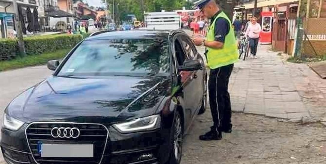 Kontrola parkujących na ulicach Mielna