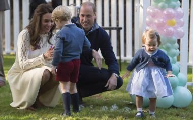 Księżniczka Charlotte - urodzona, by być w cieniu brata [ZDJĘCIA] Drugie dziecko Kate i Williama