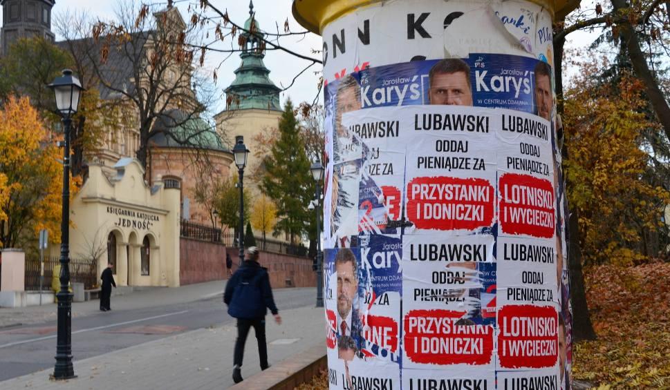 Film do artykułu: Przedwyborcza wojna w Kielcach. Komitet Lubawskiego na policji (WIDEO)