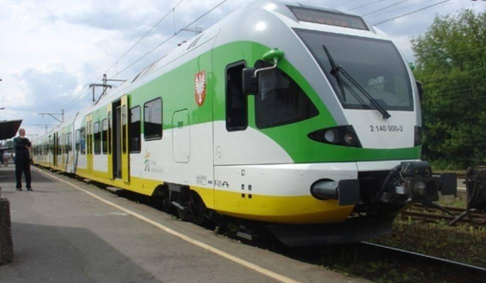 Film do artykułu: W niedzielę zmienia się rozkład jady pociągów Kolei Mazowieckich. Trwają prace na trasie numer 8