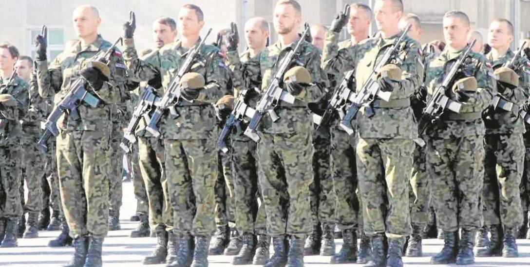 Obronność. Armia zachęca, by pójść w kamasze