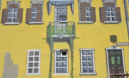 Autorem skwierzyńskich murali jest niezwykle skromny Remigiusz Bilski