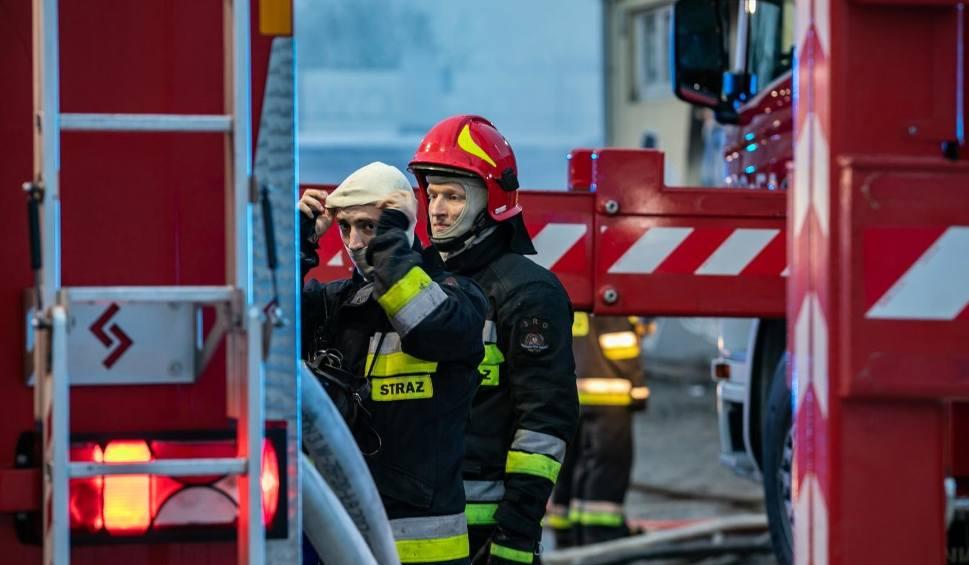 Film do artykułu: Pożar na ul. Wrocławskiej w Bydgoszczy. Jedna osoba nie żyje [zdjęcia]