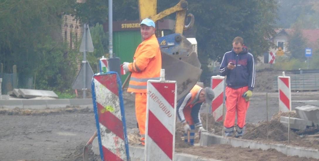 Drogowcy będą pracować na niektórych ulicach do końca października, a na innych trasach dłużej