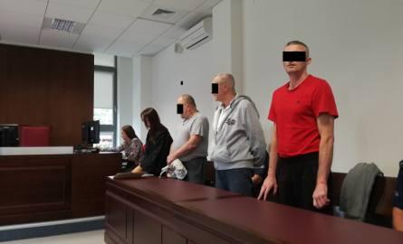 Lubelski przedsiębiorca stracił 243,5 tys. zł. Ruszył proces trzech bezrobotnych oskarżonych o kradzież