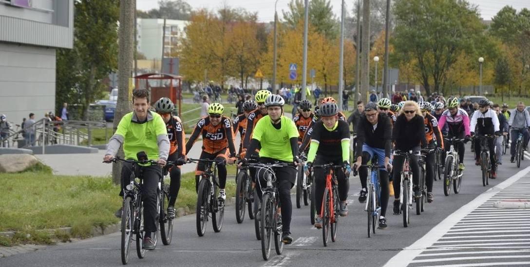 Październikowa masa startowała sprzed Watrala w Gorzowie. W sobotę 23 grudnia wyjedzie ze Starego Rynku. Do pokonania będzie 8 km. Każdy da sobie ra
