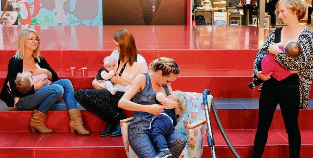 W Polsce tylko 4 proc. matek karmi swoje dzieci piersią przez pierwsze 6 miesięcy ich życia. Takie inicjatywy jak ławeczka dla karmiących mam  mają to