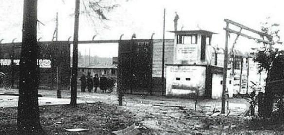 Brama obozu w Sławęcicach.
